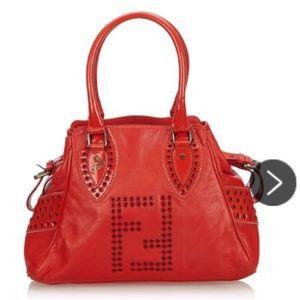 The Etniko Fendi shoulder bag in red.
